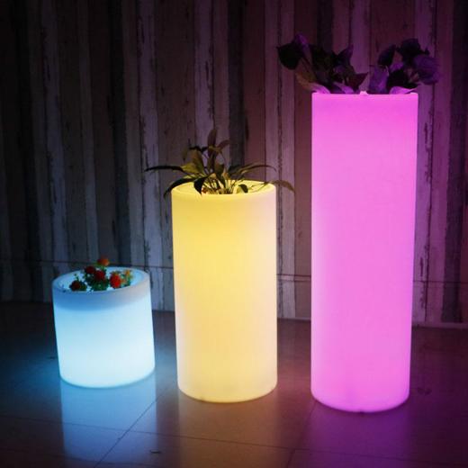 LED内部照明付き小物・家具、テーブルセット、花瓶、ランプなど_d0165304_16010609.jpg