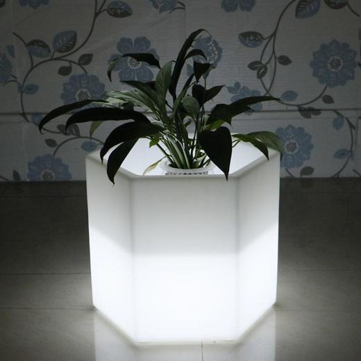 LED内部照明付き小物・家具、テーブルセット、花瓶、ランプなど_d0165304_16011958.jpg