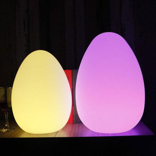 LED内部照明付き小物・家具、テーブルセット、花瓶、ランプなど_d0165304_16013716.jpg
