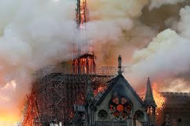 まさかの出来事!ノートルダム大聖堂の火災_c0221565_11310209.jpg