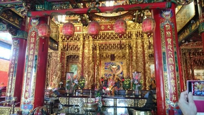 台湾のお寺にお参りしてみる_c0325278_22310268.jpg