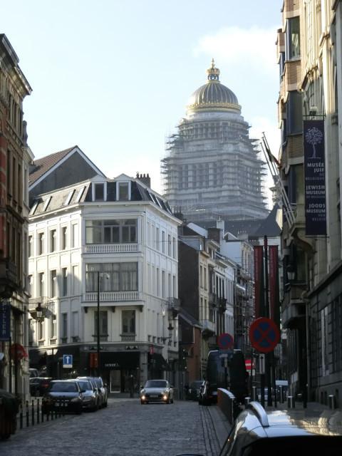 朝のブリュッセル名所散歩_f0189467_18355815.jpg