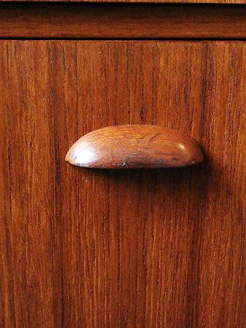 Dresser_c0139773_17460927.jpg