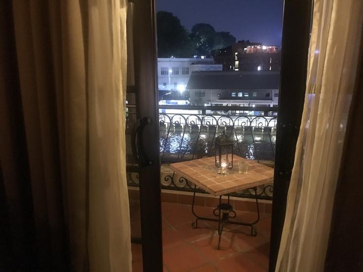 4/18マラッカの夕暮れ☆モヒートをプールサイドで。 しかし夕飯はマック。_c0212604_21534890.jpg