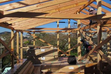 「東町の家」屋根下地工事_b0179213_20524130.jpg