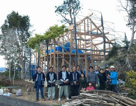 「薪ストーブのある木の家」上棟しました。_a0059217_18465226.jpg