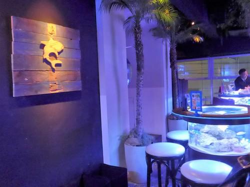 神戸・三宮「bar shark」へ行く。_f0232060_1952917.jpg