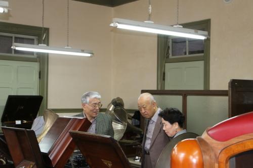Antiques 文明機器コレクター菅原和雄様ご一行様が来館_c0075701_13355617.jpg