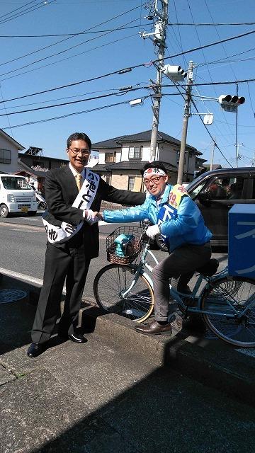 いろいろな選挙運動  自転車を使い、若さを前面に出した下田候補_f0141310_06455401.jpg