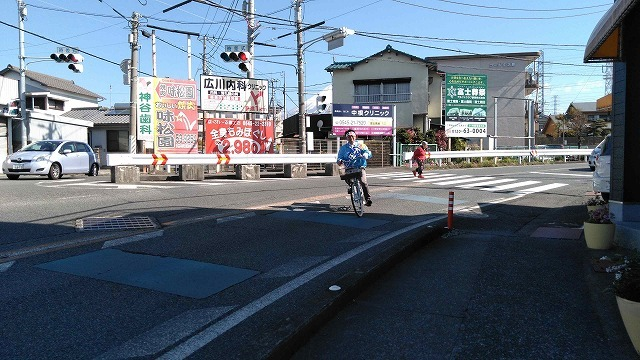 いろいろな選挙運動  自転車を使い、若さを前面に出した下田候補_f0141310_06460116.jpg
