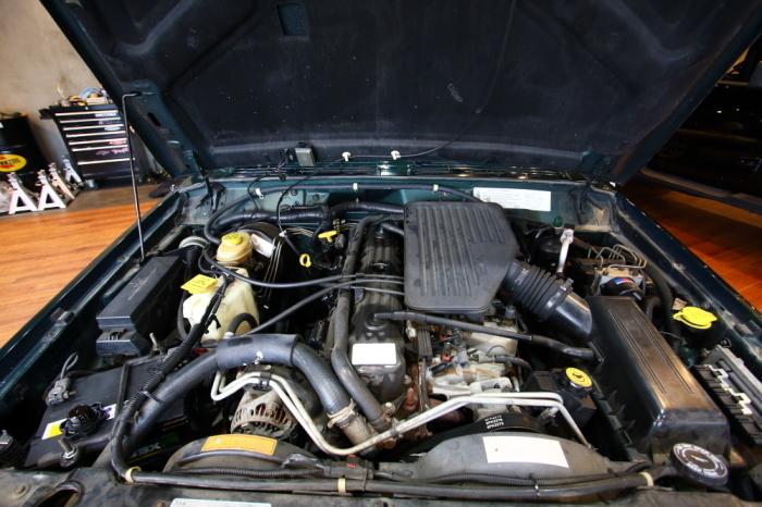 XJチェロキー ご納車準備進行中_f0105425_19364555.jpg