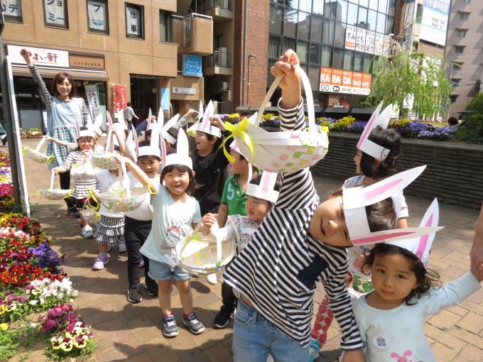Easter Egg hunting_d0148342_12244057.jpg