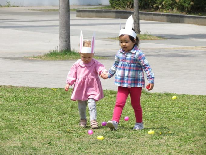 Easter Egg hunting_d0148342_12275474.jpg