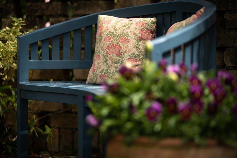 春から初夏へ移ろう英国庭園_d0353489_00175533.jpg