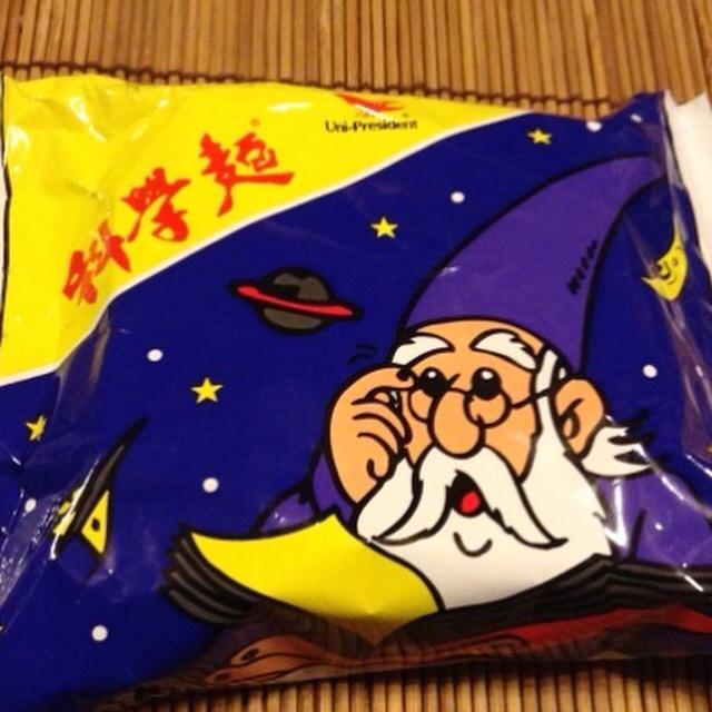 台湾的ベビースターラーメン各種をボリボリと食べます。_a0334793_13541098.jpg