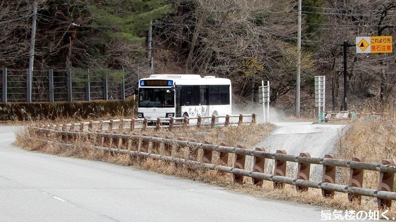 バスの終点へ行こう011 はやかわ乗合バス(運行は株式会社俵屋観光)奈良田温泉バス停_e0304702_21213379.jpg