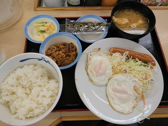4/20 ソーセージダブルエッグ定食ミニ牛皿¥450@松屋_b0042308_10491011.jpg