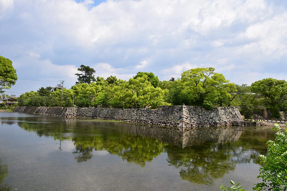 漆黒の烏城、備前岡山城を歩く。 その1「内堀~大手門」_e0158128_20182156.jpg