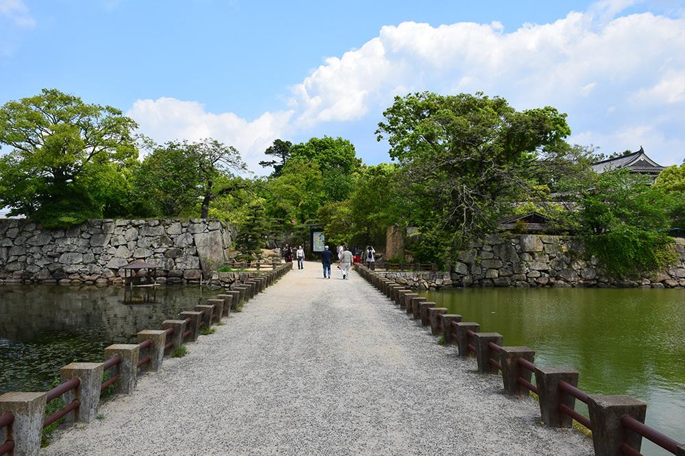 漆黒の烏城、備前岡山城を歩く。 その1「内堀~大手門」_e0158128_20260070.jpg
