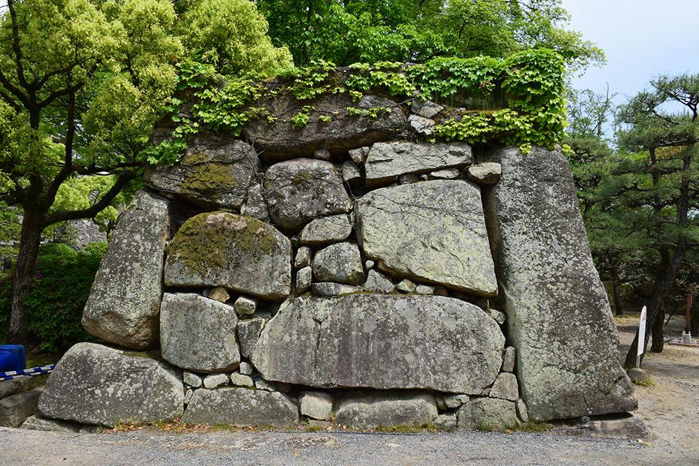 漆黒の烏城、備前岡山城を歩く。 その1「内堀~大手門」_e0158128_20310990.jpg