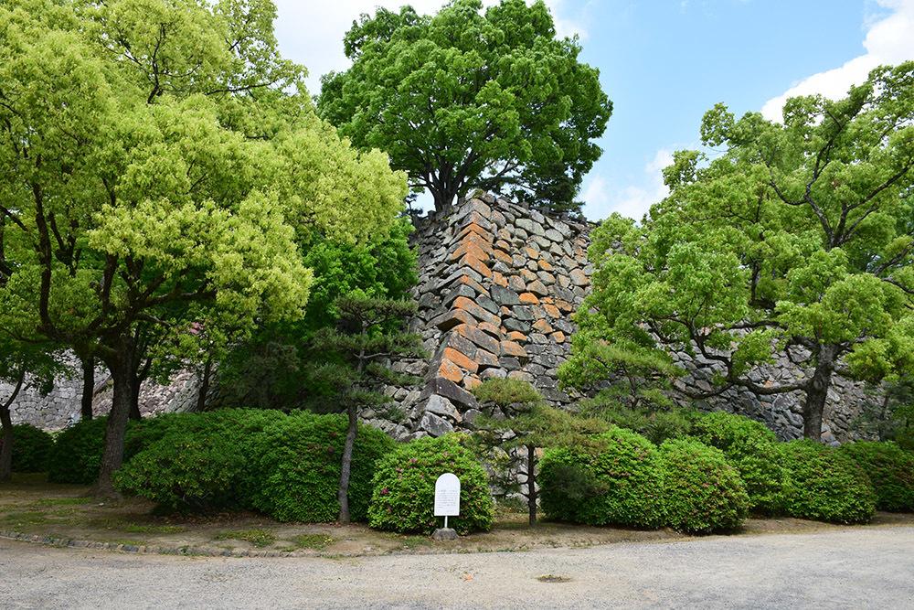 漆黒の烏城、備前岡山城を歩く。 その2「本丸下の段」_e0158128_20403076.jpg