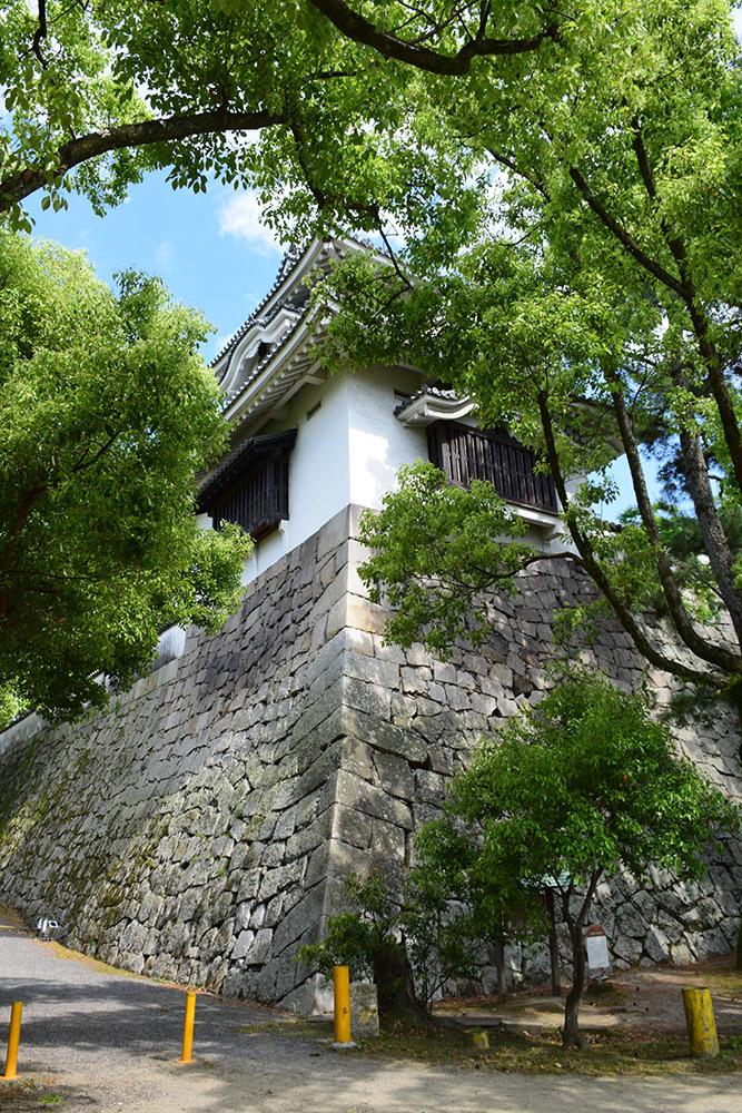 漆黒の烏城、備前岡山城を歩く。 その2「本丸下の段」_e0158128_20561502.jpg