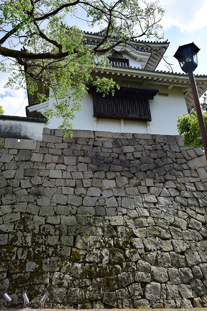 漆黒の烏城、備前岡山城を歩く。 その2「本丸下の段」_e0158128_20580936.jpg