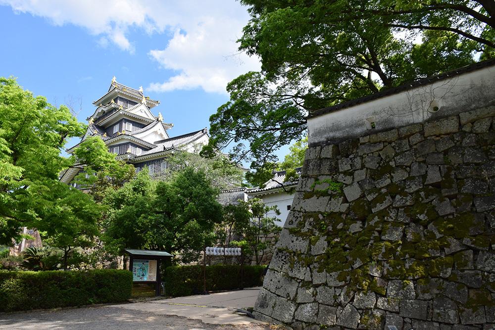 漆黒の烏城、備前岡山城を歩く。 その2「本丸下の段」_e0158128_21015259.jpg