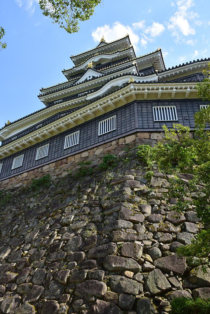 漆黒の烏城、備前岡山城を歩く。 その2「本丸下の段」_e0158128_21101738.jpg