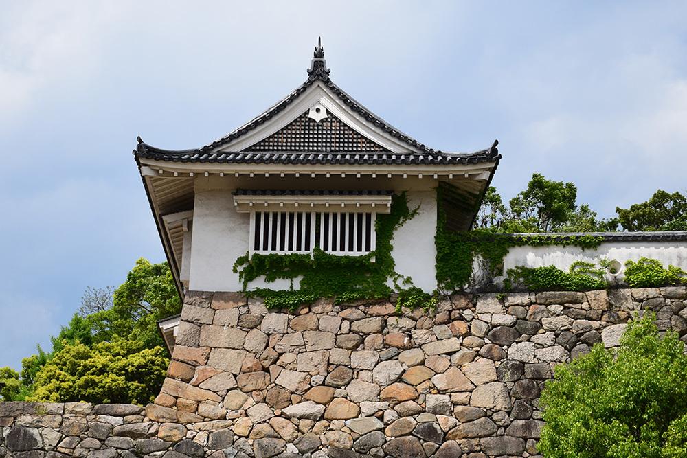 漆黒の烏城、備前岡山城を歩く。 その2「本丸下の段」_e0158128_21222266.jpg