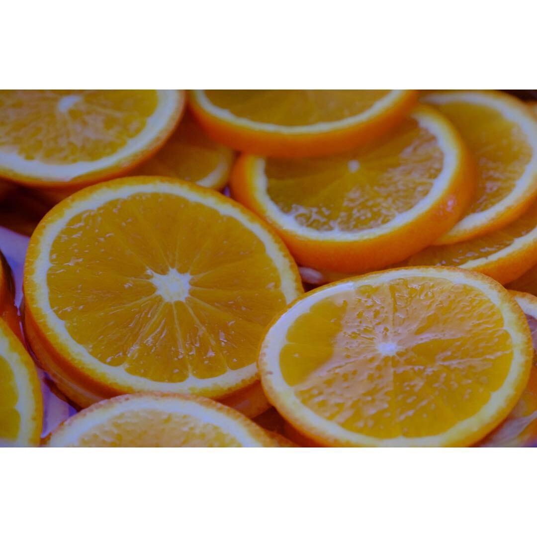 貴重なオレンジ_a0335867_09170011.jpeg