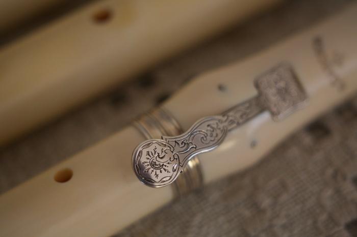 フラウト・トラヴェルソ4 Ivory Cahusac Flute by Cameron_f0042194_10544401.jpg