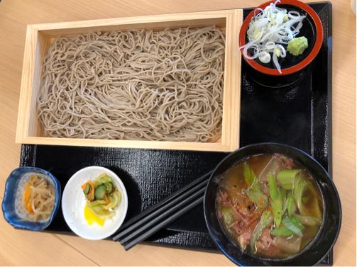 春の山形旅行#1☆道の駅よねざわで見知らぬ山菜?に会う。_f0207146_14054136.jpg