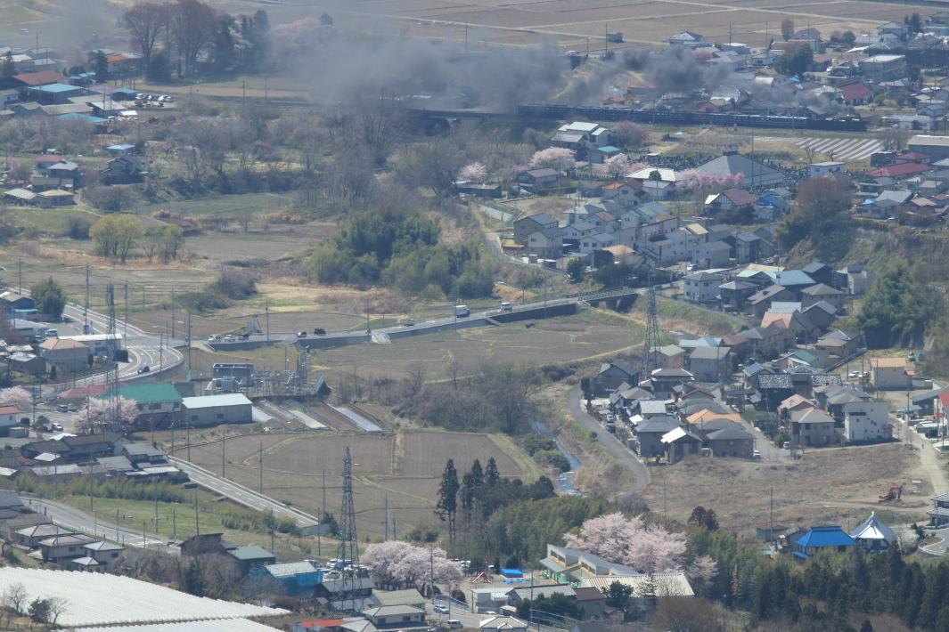 里には桜、汽車は黒煙もくもく - 2019年桜・上越線 -_b0190710_23382967.jpg