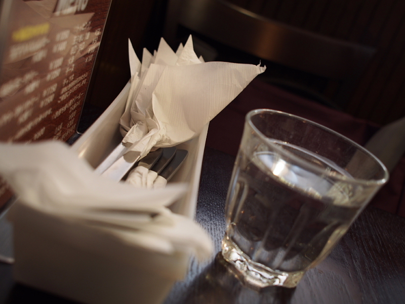【珠玉のカレー】渋谷の老舗「ムルギー」の玉子入りムルギーカリー &その界隈_b0008655_16505627.jpg