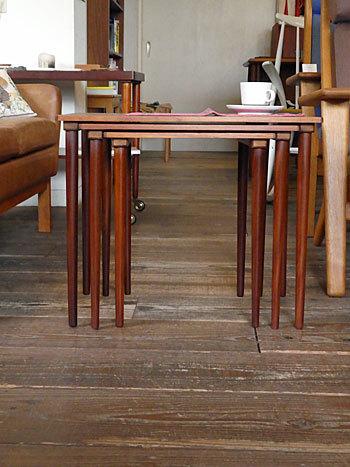 Nesting table_c0139773_19045613.jpg