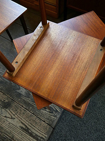 Nesting table_c0139773_19094705.jpg