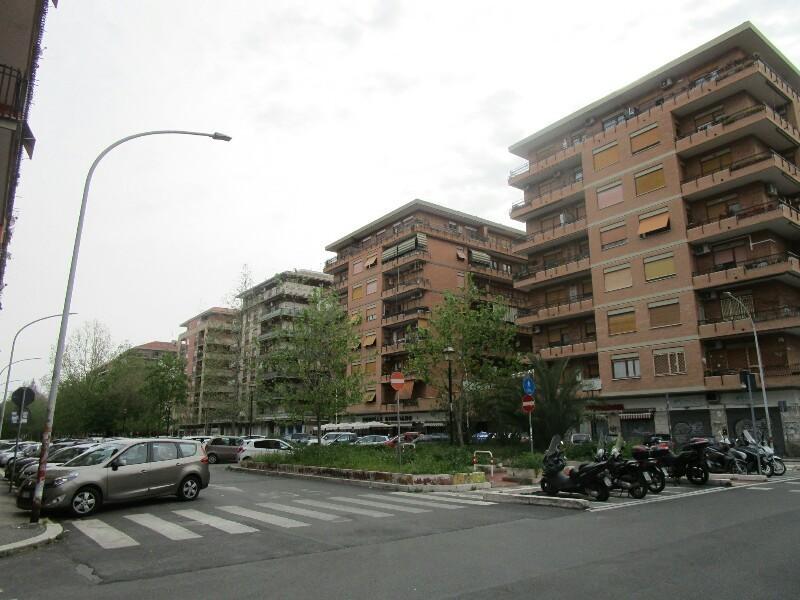ローマ3日目【ローマ郊外】アッピア街道はどこまでも続いていた_e0201281_02163957.jpg