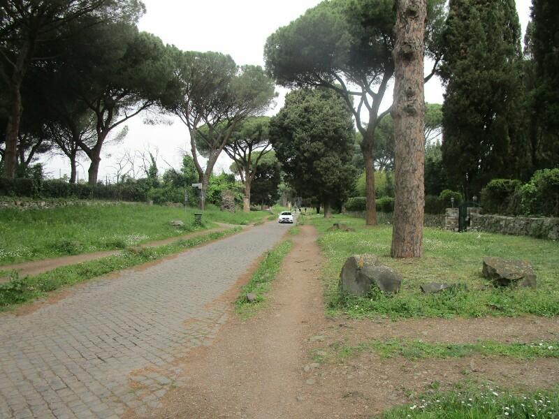 ローマ3日目【ローマ郊外】アッピア街道はどこまでも続いていた_e0201281_02191802.jpg
