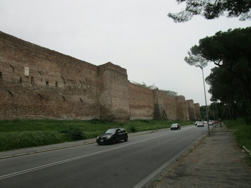 ローマ3日目【ローマ郊外】アッピア街道はどこまでも続いていた_e0201281_02203947.jpg
