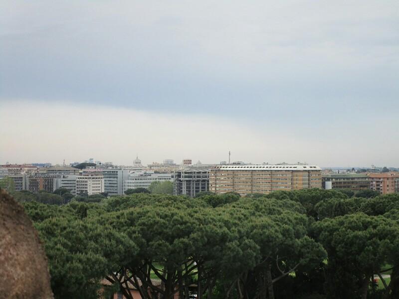 ローマ3日目【ローマ郊外】アッピア街道はどこまでも続いていた_e0201281_02223758.jpg