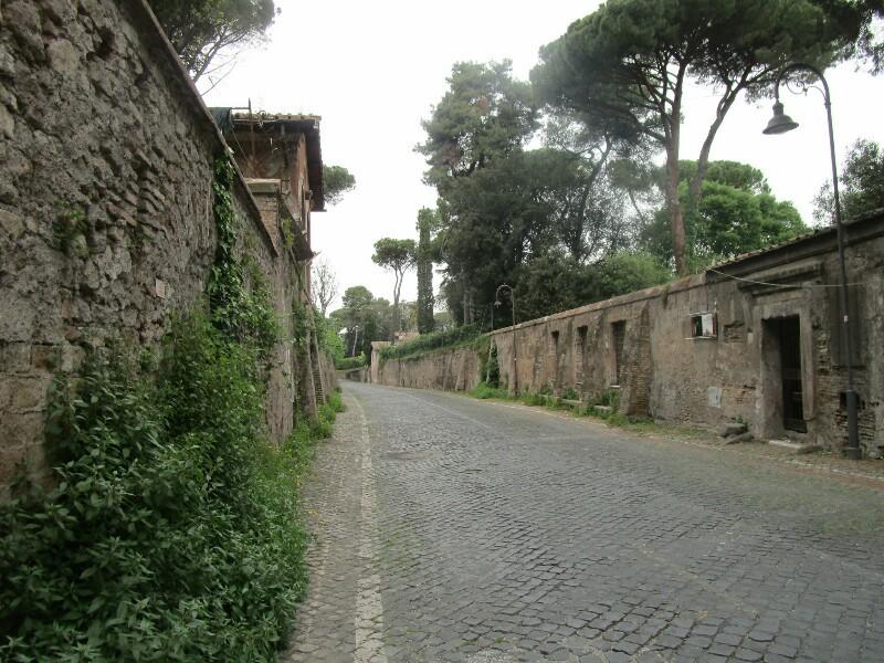 ローマ3日目【ローマ郊外】アッピア街道はどこまでも続いていた_e0201281_02231035.jpg
