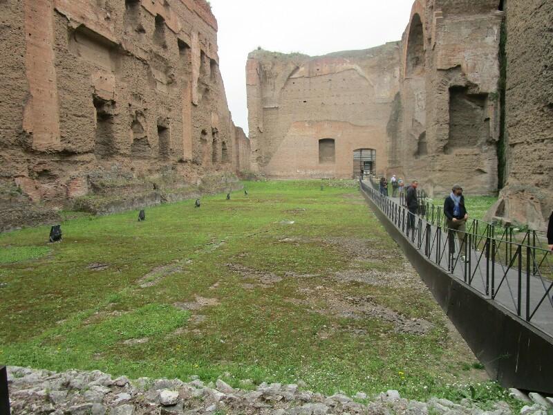 ローマ3日目【ローマ郊外】アッピア街道はどこまでも続いていた_e0201281_02243342.jpg