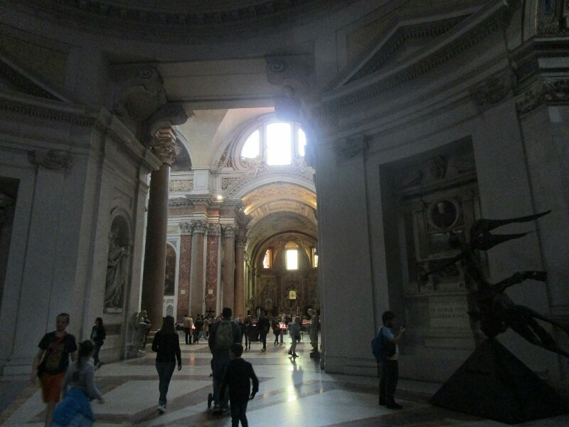 ローマ3日目【ローマ郊外】アッピア街道はどこまでも続いていた_e0201281_02252068.jpg