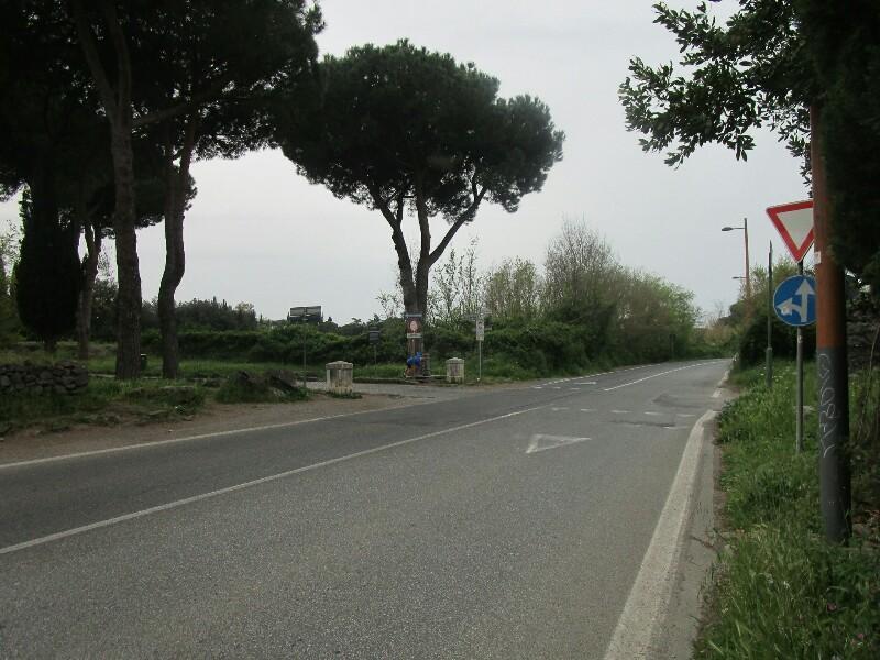 ローマ3日目【ローマ郊外】アッピア街道はどこまでも続いていた_e0201281_10081871.jpg