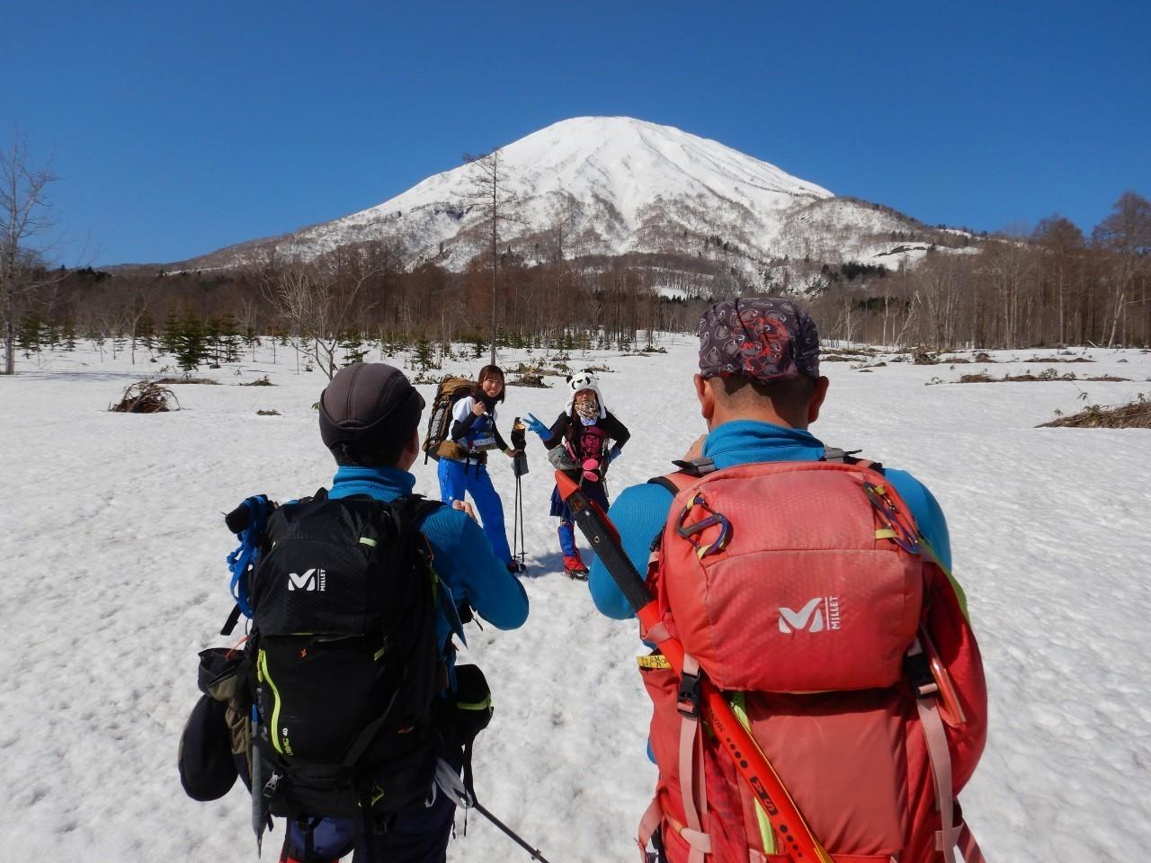 羊蹄山ご来光登山、2019.4.21ー同行者からの写真ー_f0138096_18201074.jpg