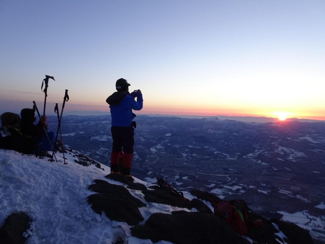 羊蹄山ご来光登山、2019.4.21ー同行者からの写真ー_f0138096_18255788.jpg