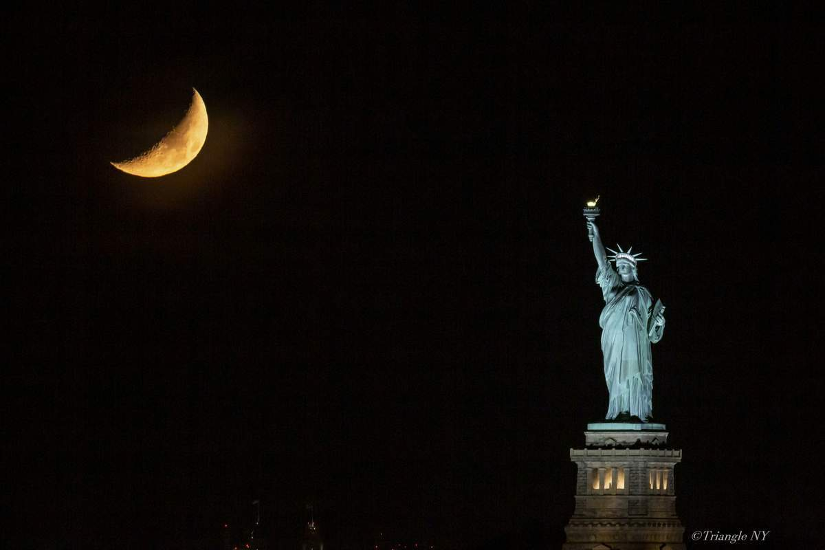 "A short film of  "" Moon Set with Lady Liberty April 2019 \""_a0274805_20520555.jpg"