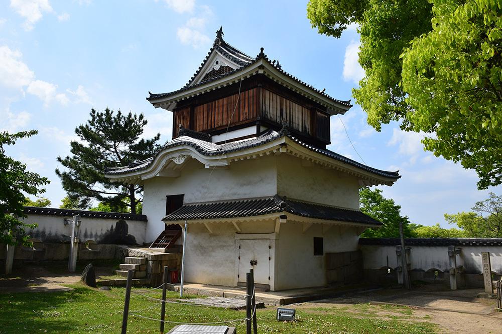 漆黒の烏城、備前岡山城を歩く。 その3「本丸中の段」_e0158128_18531138.jpg