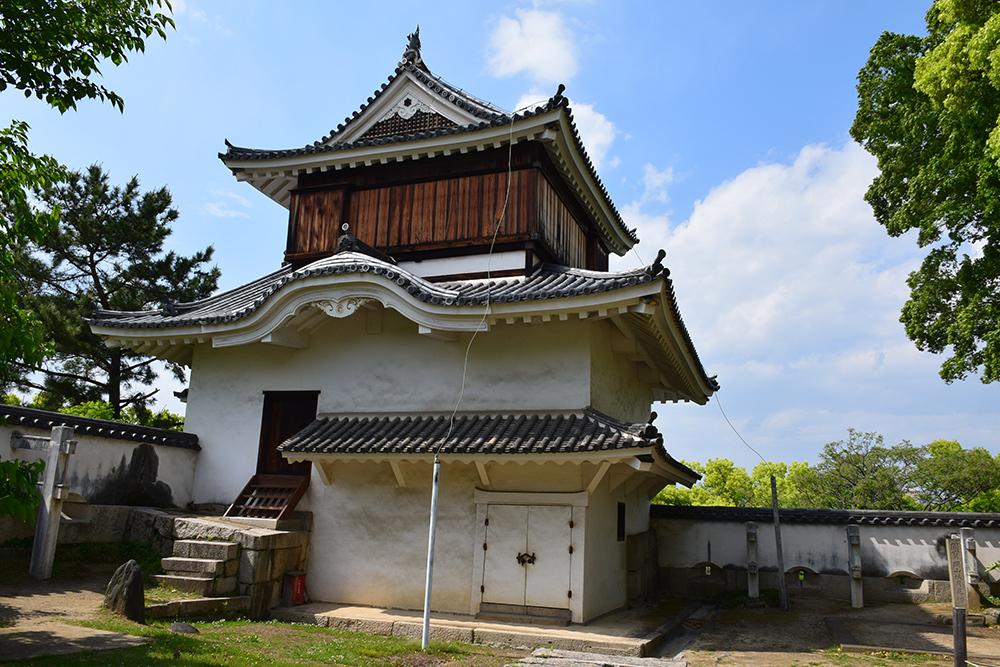 漆黒の烏城、備前岡山城を歩く。 その3「本丸中の段」_e0158128_18542087.jpg